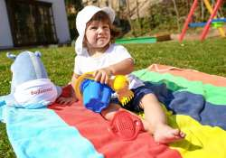 Így ápold kisbabád bőrét a nyári hónapokban